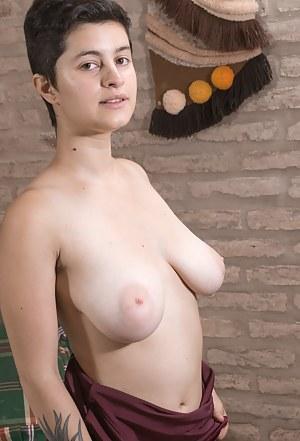 Big Boobs Short Hair Porn Pictures